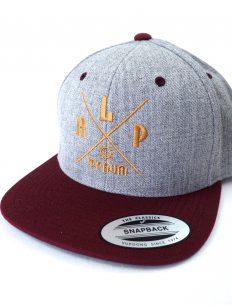 Snapback Cap Adventure Grey Bordeaux