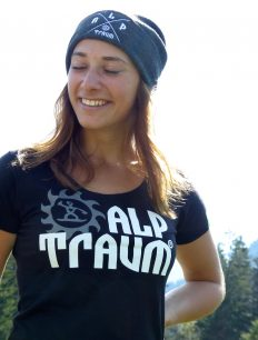 woman t-shirt TRAIL beanie ADVENTURE